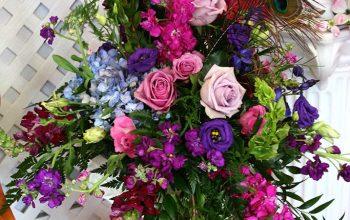 Wedding reception table centerpiece arrangement