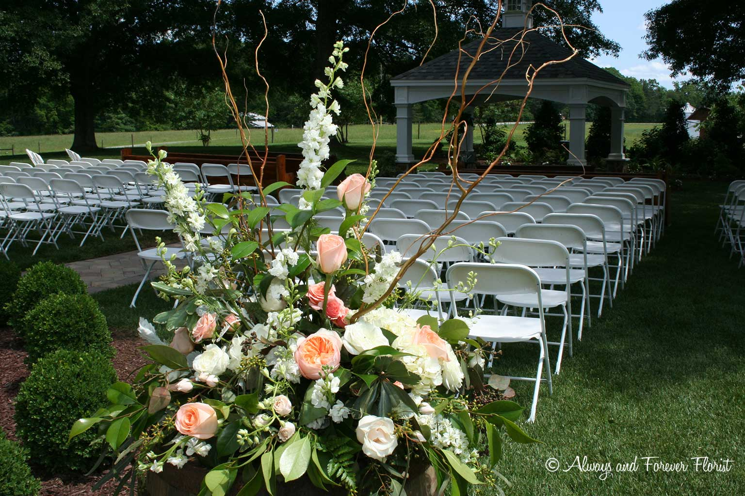 Outdoor wedding at oakhaven